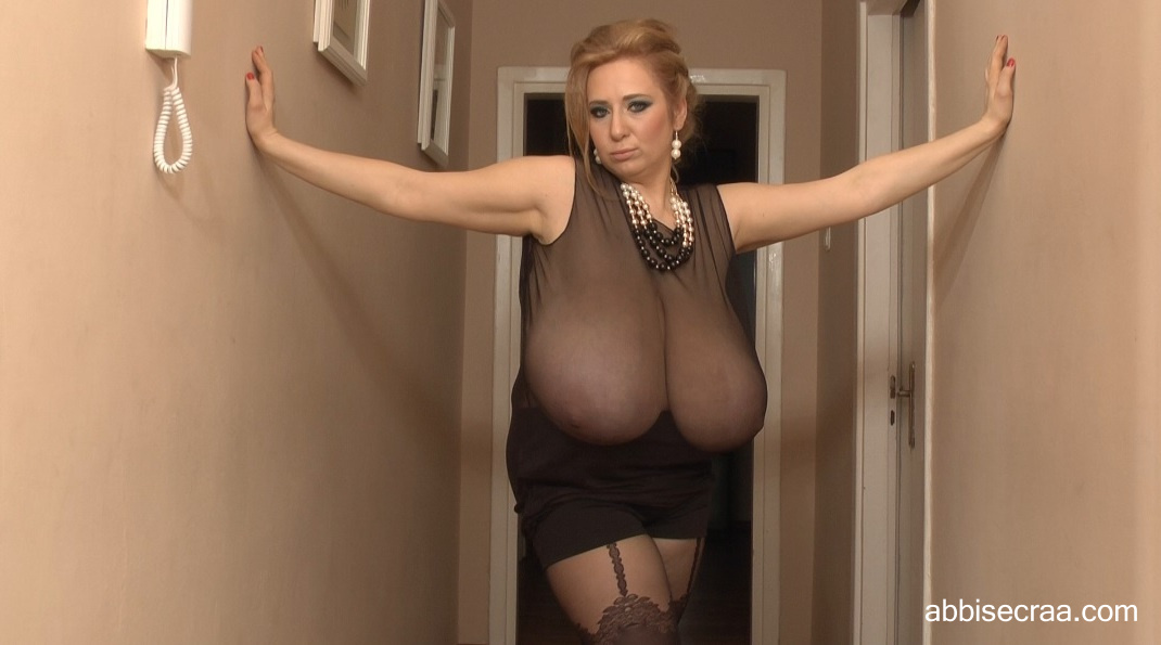 Wide breasts narrow corridor - photos