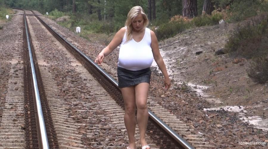 No trains, empty beaches-movie